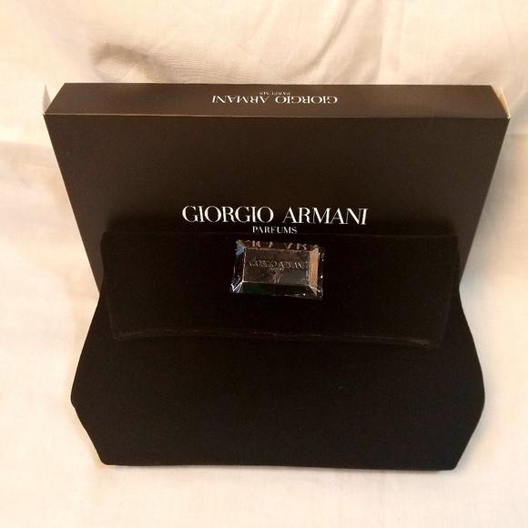 Giorgio Armani Bags   Clutch Make Up Kit Case   Poshmark be8713ff8f
